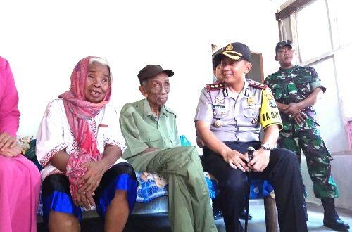 """Kapolres Lampung Timur : """"Semoga Mbah Uripan Lebih Nyaman, Di Rumah Barunya"""""""