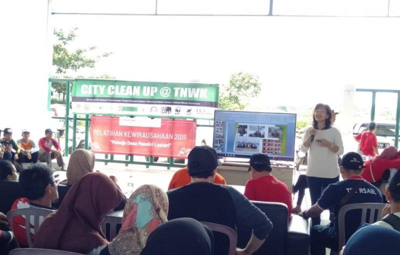Aksi City Clean Up @ TNWK oleh Forum CSR Lampung