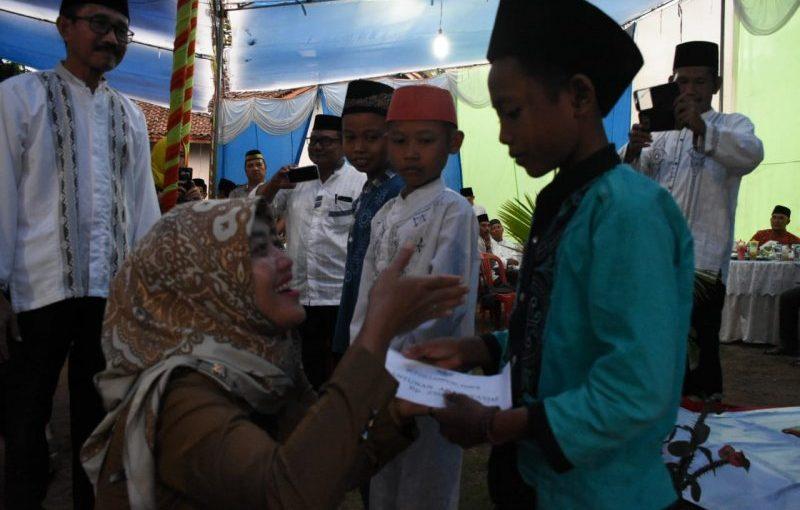 Bupati Lampung Timur beri santunan anak yatim