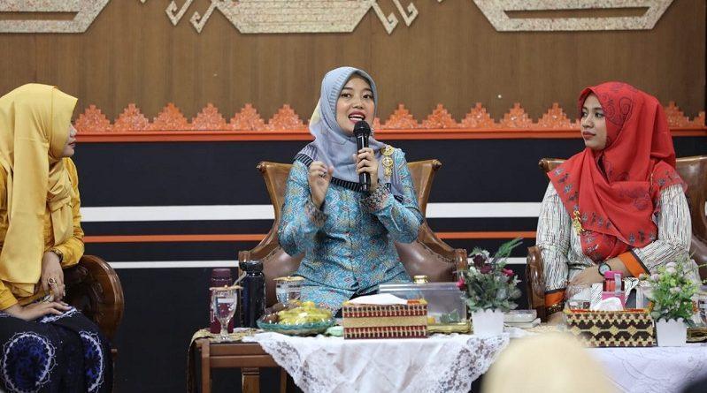 Chusnunia Dorong Penguatan Budaya Literasi di Pondok Pesantren
