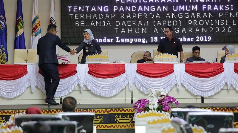 Wagub Chusnunia Hadiri Penyampaian Pemandangan Umum 8 Fraksi DPRD Tentang Raperda APBD
