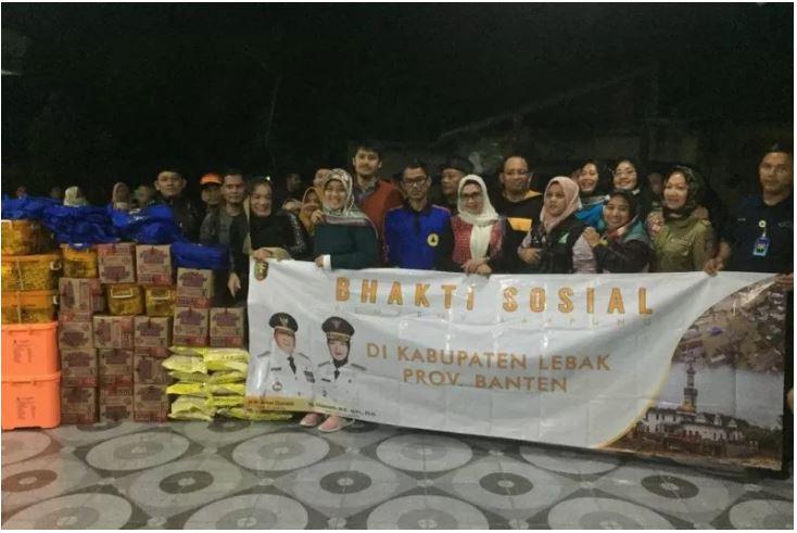 Wagub Lampung serahkan bantuan korban banjir Banten