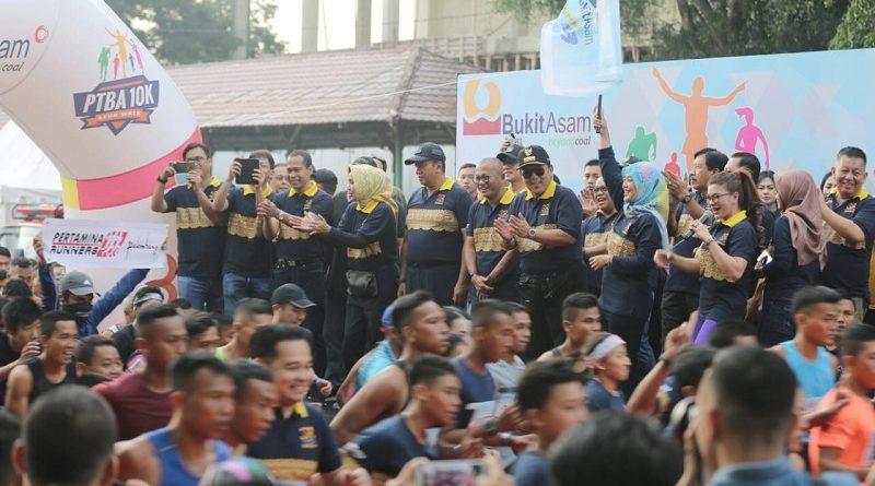 Gubernur Arinal dan Wagub Lepas Peserta PTBA 10K dan Fun Walk HUT PT Bukit Asam
